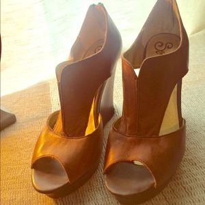 Beautiful wedges super high with platform